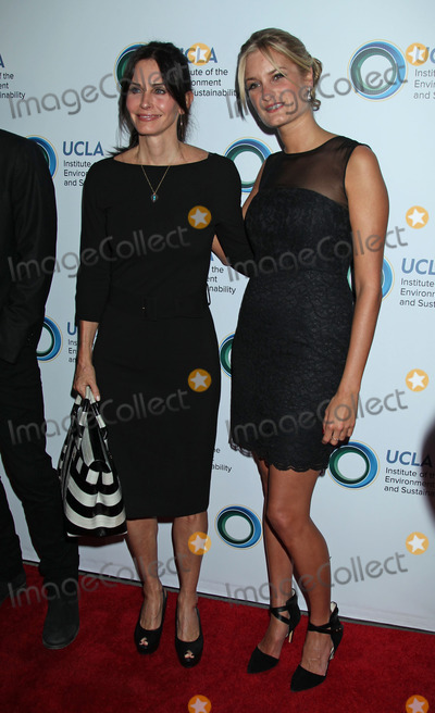 Alexandria Jackson Photo - Photo by REWestcomstarmaxinccomSTAR MAX2014ALL RIGHTS RESERVEDTelephoneFax (212) 995-119632114Courteney Cox and Alexandria Jackson at An Evening of Environmental Excellence Presented By The UCLA Institute of The Environment and Sustainability(Los Angeles CA)