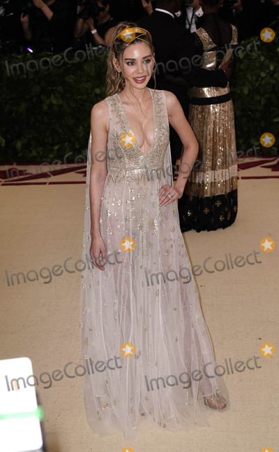 Alexandra Parker Photo - Photo by zzXPXstarmaxinccomSTAR MAXCopyright 2018ALL RIGHTS RESERVEDTelephoneFax (212) 995-11965718Alexandra Parker at the 2018 Costume Institute Benefit Gala celebrating the opening of Heavenly Bodies Fashion and the Catholic Imagination(The Metropolitan Museum of Art NYC)