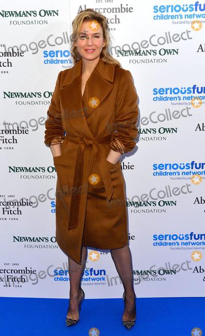 Renee Zellweger Photo - Photo by KGC-42starmaxinccomSTAR MAXCopyright 2015ALL RIGHTS RESERVEDTelephoneFax (212) 995-119611315Renee Zellweger at the SeriousFun Childrens Network Gala(London England UK)