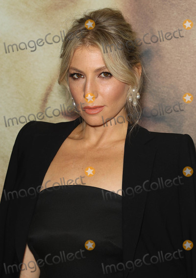Ari Graynor Photo - Photo by John NacionstarmaxinccomSTAR MAX2018ALL RIGHTS RESERVEDTelephoneFax (212) 995-1196103018Ari Graynor at the premiere of The Front Runner in New York City
