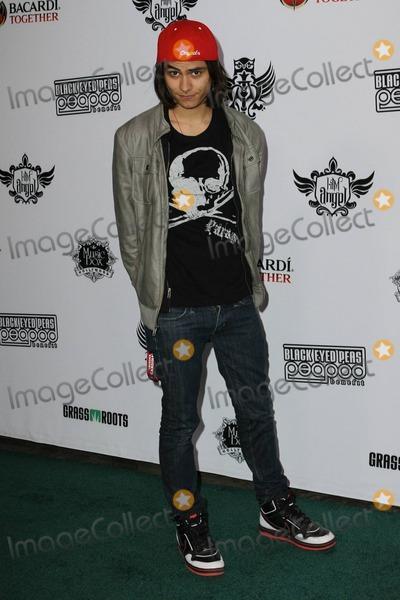 Kiowa Gordon Photo - Kiowa Gordon arrives at the seventh annual Black Eyed Peas Peapod Benefit Concert held at the Music Box Theatre Los Angeles CA 021011