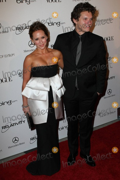 Alex Beh Photo - Jennifer Love Hewitt and boyfriend Alex Beh on the red carpet at the star studded Art of Elysium fourth annual Heaven Charity Gala held at the California Science Center Los Angeles CA 011511
