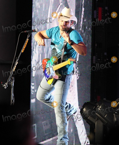 H2O Photo - Brad Paisley performs in concert for the final time of his H2O II Tour at the Time Warner Music Pavilion in Raleigh NC 25th September 2011Tel 1 305 542 9275