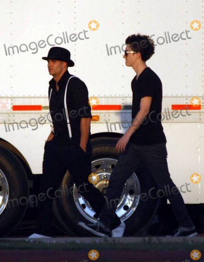 Adam Campbell Photo - Glee cast members spend a day filming the third season of the hit show During the day Mark Salling took some time to play some frisbee with crew and grab some lunch at the catering tent with co-star Naya Rivera Also on set for the day were Josh Sussman and Jayma Mays who strolled hand-in-hand with English husband Adam Campbell Los Angeles CA 82410