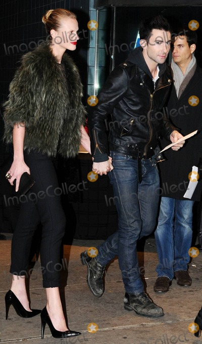 Anne Vyalitsyna Photo - Adam Levine and girlfriend Anne Vyalitsyna hold hands as they arrive at SVA Theater for a screening of The Fighter hosted by the Cinema Society  Mens Health benefitting the Bronxs Cinema School New York NY 121010