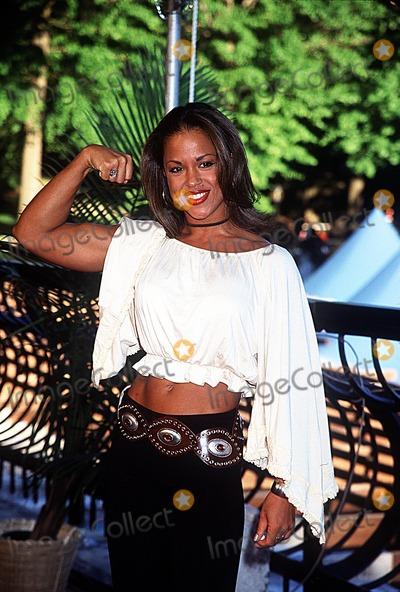 Alicia Calaway Photo - Season Finale of Survivor Marquesas Wollman Rink Central Park NY 052002 Photo by Henry McgeeGlobe Photos Inc 2002 Alicia Calaway