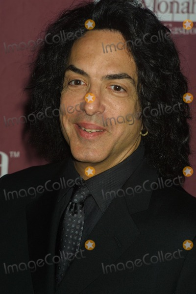 Paul Stanley Photo - K27180HMC     SD111242nd AND VINE INTERSECT AS HOLLYWOOD HITS BROADWAY KATIE COURIC  THE ENTERTAINMENT INDUSTRY FOUNDATION (EIF) UNITE HOLLYWOOD  BROADWAYS BIGGEST STARS TO LAUNCH THE JAY MONAHAN CENTER FOR GASTROINTESTINAL HEALTH AT THE WALDORF ASTORIAS GRAND BALLROOM NEW YORK CITY PHOTO HENRY MCGEE GLOBE PHOTOS INC  2002PAUL STANLEY