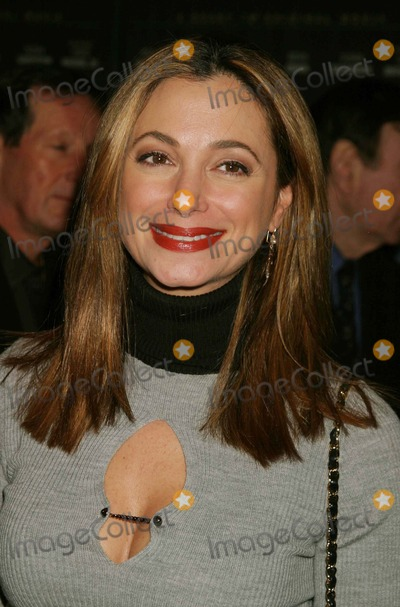 AMANDA GROVE Photo - Amanda Grove Arriving at the Premiere of the Court Tv Original Movie the Exonerated at the Museum of Television and Radio in New York City on 01-25-2005 Photo by Henry McgeeGlobe Photos Inc 2005