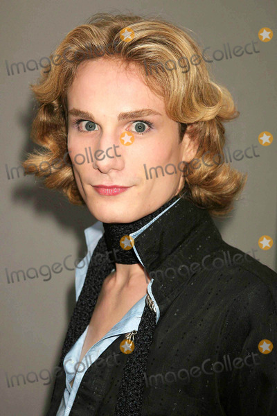 Austin Scarlett Photo - Austin Scarlett (Project Runway) at Heatherette Showing of Spring Collection in the Tent at Bryant Park in New York City on 09-16-2005 Photo by Henry McgeeGlobe Photos Inc 2005