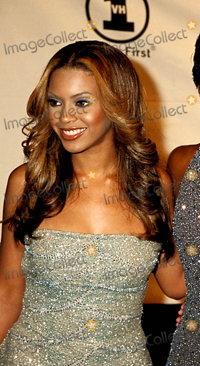 Beyonce Photo - Sd0409 Divas 2000 at Madison Square Garden in New York City Beyonce Knowles Photo Byhenry McgeeGlobe Photos Inc