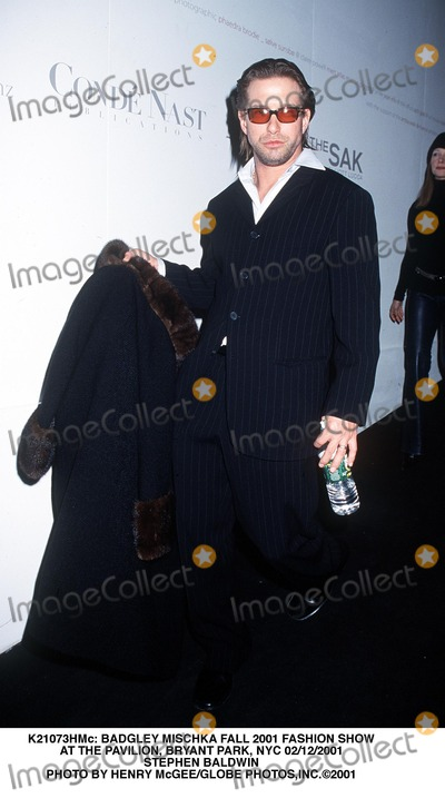 Badgley  Mischka Photo -  Badgley Mischka Fall 2001 Fashion Show at the Pavilion Bryant Park NYC 02122001 Stephen Baldwin Photo by Henry McgeeGlobe Photosinc