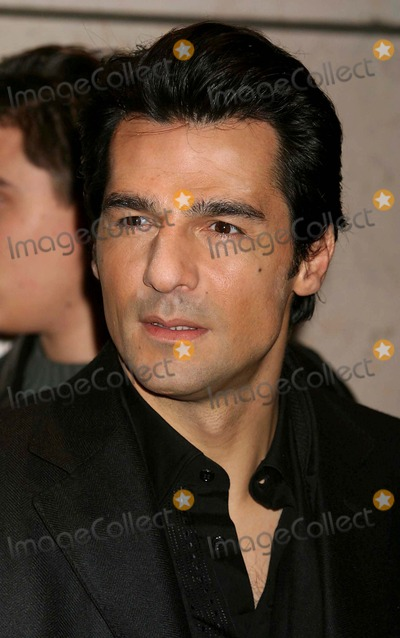 Erol Sander Photo - Erol Sander Arriving at a Screening of Alexander at the Walter Reade Theater in New York City on 11-22-2004 Photo by Henry McgeeGlobe Photos Inc 2004
