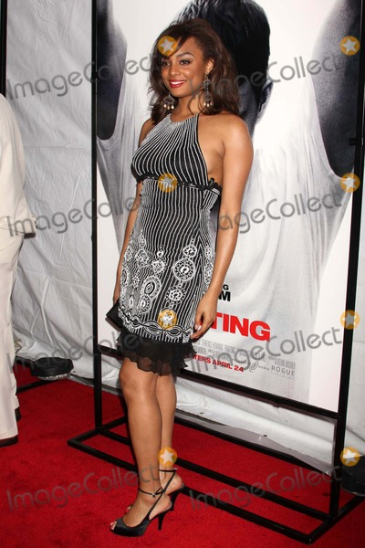 ALICIA RENEE Photo - Alicia Renee Arriving at the Premiere of Fighting at Regal Union Square Stadium in New York City on 04-20-2009 Photo by Henry Mcgee-Globe Photos Inc 2009