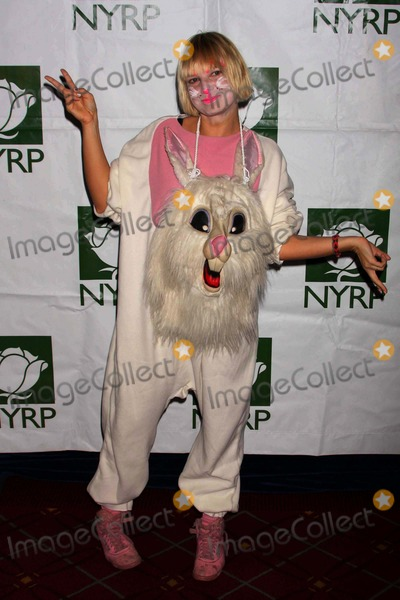 Sia Furler Photo - Australian Singer Sia Furler Arriving at Bette Midlers New York Restoration Projects Annual Hulaween Gala at the Waldorf-astoria in New York City on 10-30-2009 Photo by Henry Mcgee-Globe Photos Inc 2009