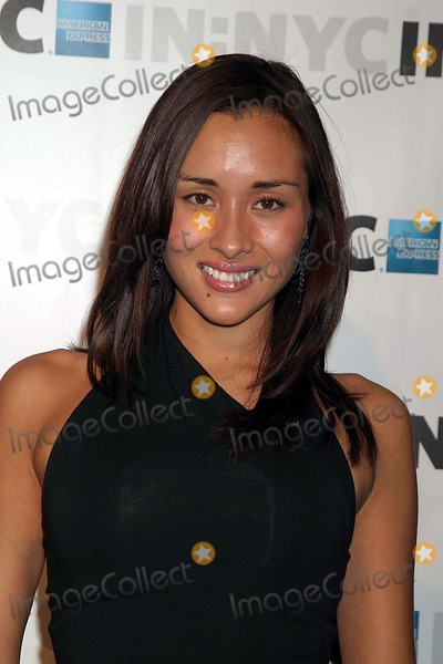 April Wilkner Photo - April Wilkner (americas Next Top Model) Arriving at the Launch Party For Innyc American Expresss New Credit Card at Skylight in New York City on October 7 2004 Photo by Henry McgeeGlobe Photos Inc 2004