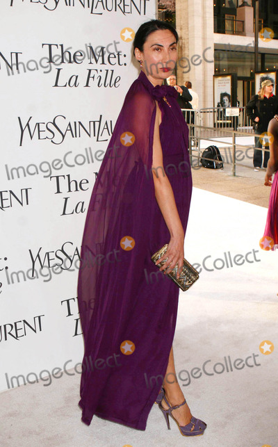 Anh Duong Photo - Anh Duong Arriving at the Opening of Donizettis Opera LA Fille Du Regiment and the Opening Night Gala Benefit at the Metropolitan Opera at Lincoln Center in New York City on 04-21-2008 Photo by Henry McgeeGlobe Photos Inc 2008