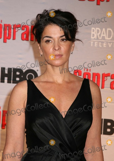 Annabella Sciorra Photo - NYC  032707Annabella Sciorra at the premiere for the final season of HBOs THE SOPRANOS at Radio City Music HallDigital Photo by Adam Nemser-PHOTOlinknet