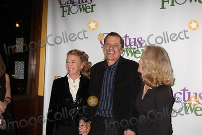 Hayley Mills Photo - New York City  10th March 2011Maxwell Caulfield with wife Juliet Mills and sister-in-law Hayley Mills at the opening night party for his Off-Broadway play Cactus Flower at B Smiths RestaurantPhoto by Adam Nemser-PHOTOlinknet