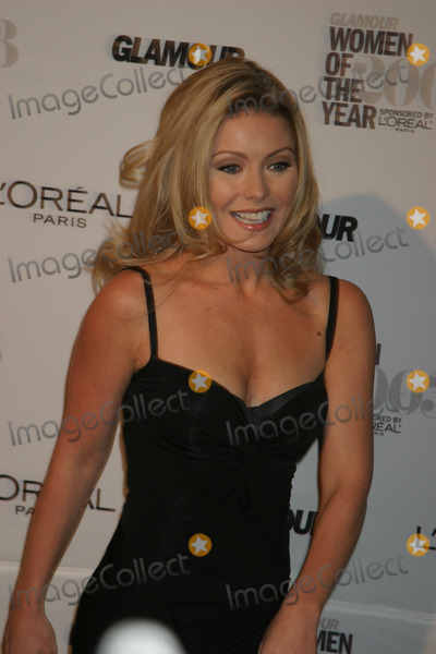 Kelly Ripa Photo - NYC  111003Kelly Ripa at the 14th annual GLAMOUR MAGAZINE WOMEN OF THE YEAR 2003 at The Museum of Natural HistoryDigital Photo by Adam NemserPHOTOlink