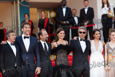 Eduard Fernandez Photo - CANNES FRANCE - MAY 8 Eduard Fernandez Javier Bardem Asghar Farhadi Penelope Cruz Ricardo Darin Sara Salamo Carla Campra attend the screening of Everybody Knows (Todos Lo Saben) and the opening gala during the 71st annual Cannes Film Festival at Palais des Festivals on May 8 2018 in Cannes France(Photo by Laurent KoffelImageCollectcom)