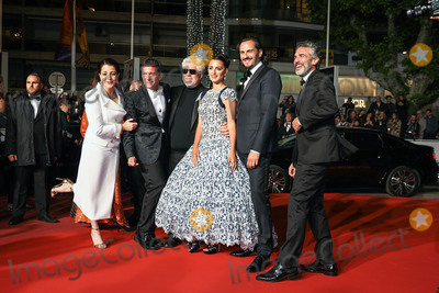 Antonio Banderas Photo - CANNES FRANCE - MAY 17 Nora Navas Antonio Banderas Pedro Almodovar Penelope Cruz Leonardo Sbaraglia and Asier Etxeandia attend the screening of Pain And Glory (Dolor Y Gloria Douleur Et Gloire) during the 72nd annual Cannes Film Festival on May 17 2019 in Cannes France (Photo by Laurent KoffelImageCollectcom)