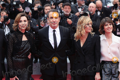 Jean Dujardin Photo - CANNES FRANCE - MAY 18 Elsa Zilberstein Jean Dujardin and Mathilde Seignier attend the screening of Les Plus Belles Annees DUne Vie during the 72nd annual Cannes Film Festival on May 18 2019 in Cannes France(Photo by Laurent KoffelImageCollectcom)
