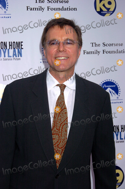 Nigel Sinclair Photo - NEW YORK SEPTEMBER 19 2005    Nigel Sinclair at the No Direction Home Bob Dylan premiere DVD screening held at the Ziegfeld Theatre