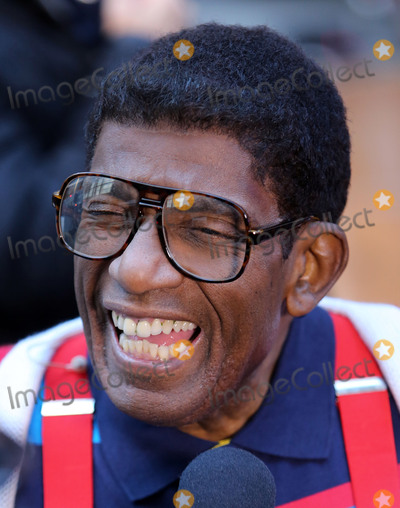 Al Roker Photo - October 31 2016 New York CityAl Roker as Steve Urkel appearing on NBCs Today show Halloween event at the Rockefeller Plaza on October 31 2016 in New York CityBy Line Serena XuACE PicturesACE Pictures IncTel 6467670430