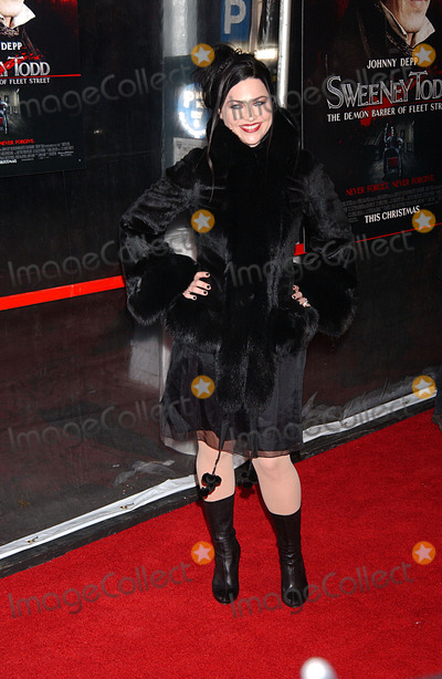 Amy Lee Photo - Singer Amy Lee arriving at the New York premiere of Sweeney Todd The Demon Barber Of Fleet Street at the Ziegfeld Theater