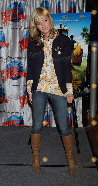 Brie Larson Photo - Brie Larson donating items from the movie Hoot to Planet Hollywood