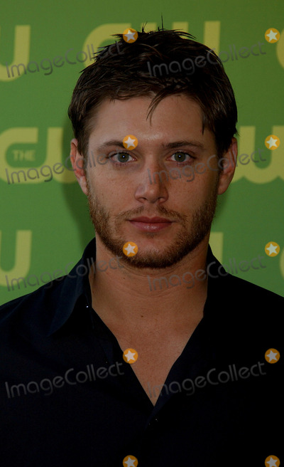 JENSES ACKLES Photo - Jenses Ackles at the CW Upfront Red Carpet