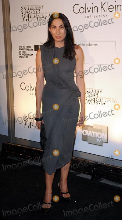 ANH DOUNG Photo - Anh Doung arriving at the 1st Annual Guggenheim Art Awards at the Solomon R Guggenheim Museum on October 29 2009 in New York City