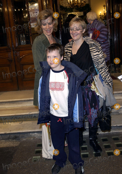JULIETTE STEVENSON Photo - LONDON DECEMBER 19 2004    Juliette Stevenson at the Gala Performance of Peter Pan at the Albery Theatre in aid of Great Ormond Street Hospital