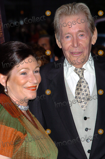 Peter OToole Photo - Peter OToole at the New York Premiere of Troy New York May 10 2004