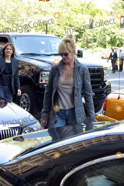 Melanie Griffith Photo - NEW YORK NEW YORK MAY 17TH 2005    Melanie Griffith entering her midtown hotel