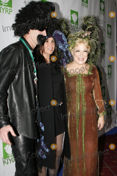 John McEnroe Photo - John McEnroe Patty Smyth and Bette Midler at the 15th annual Bette Midlers New York Restoration Projects Hulaween at The Waldorf Astoria on October 29 2010 in New York City