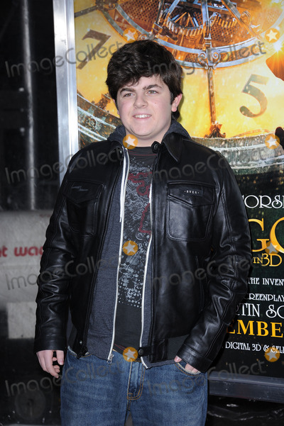 Josh Flitter Photo - Josh Flitter attends the Hugo premiere at the Ziegfeld Theatre on November 21 2011 in New York City