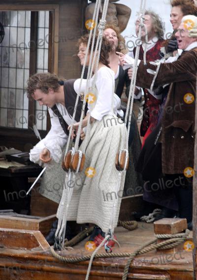 Heath Ledger Photo - VENICE ITALY OCTOBER 2004 Heath Ledger and Sienna Miller filming Untitled Casanova Project in Venice Italy