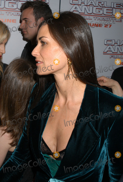 Demi Moore Photo - Demi Moore arriving at the New York Premiere of Charlies Angels Full Throttle New York June 25 2003