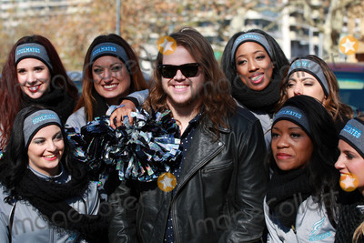 Caleb Johnson Photo - ACEPIXSCOMNovember 26 2015 New York CitySinger Caleb Johnson took part in the Thanksgiving Parade on November 26 2015 in Philadelphia PABy Line William T Wade JrACE PicturesACE Pictures IncTel 646 769 0430