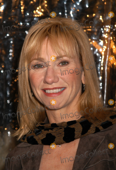CATHY BAKER Photo - Cathy Baker arrives at the New York film premiere of Cold Mountain at the Ziegfeld theatre December 09 2003