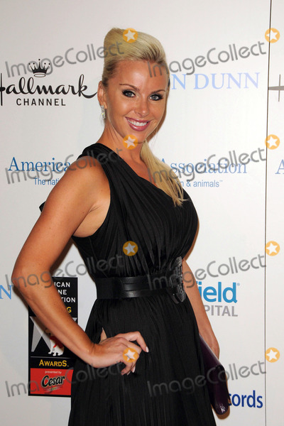 Tara Harper Photo - Tara Harper arriving at The American Humane Associations First Annual Hero Dog Awards at The Beverly Hilton hotel on October 1 2011 in Beverly Hills California