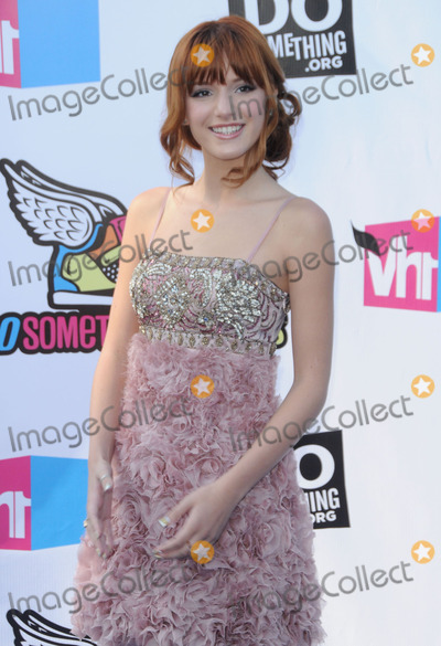 Bella Thorne Photo - Bella Thorne arrives at the 2011 VH1 Do Something Awards at the Hollywood Palladium on August 14 2011 in Hollywood California
