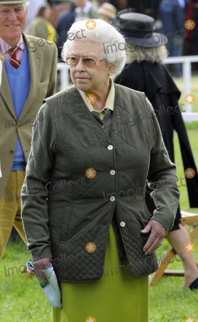 Her Majesty The Queen Photo - Her Majesty the Queen at the Royal Windsor Horse Show on May 12 2011 in Windsor England