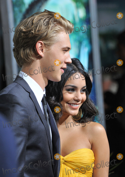 Austin Butler Photo - Vanessa Hudgens  Austin Butler at the Los Angeles premiere of her new movie Journey 2 The Mysterious Island at Graumans Chinese Theatre HollywoodFebruary 2 2012  Los Angeles CAPicture Paul Smith  Featureflash