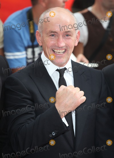 Barry McGuigan Photo - Barry McGuigan arriving for the UK Premiere of Red 2 at Empire Leicester Square London 22072013 Picture by Alexandra Glen  Featureflash