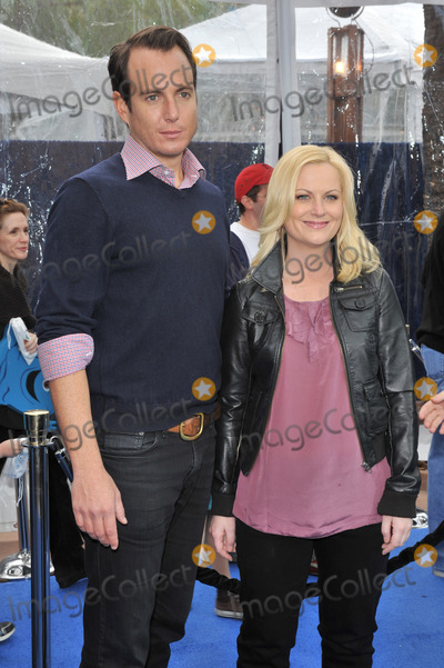 AMY POHLER Photo - Will Arnett  Amy Pohler at the Los Angeles premiere of their new movie Monsters vs Aliens at the Gibson Amphitheatre Universal Studios HollywoodMarch 22 2009  Los Angeles CAPicture Paul Smith  Featureflash