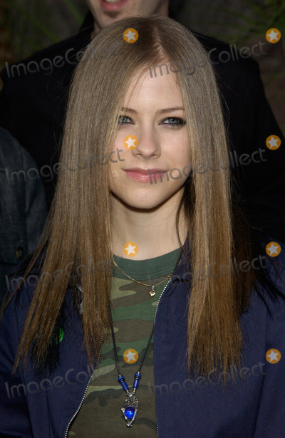 Avril Lavigne Photo - AVRIL LAVIGNE at the 2002 Billboard Music Awards at the MGM Grand Las Vegas09DEC2002