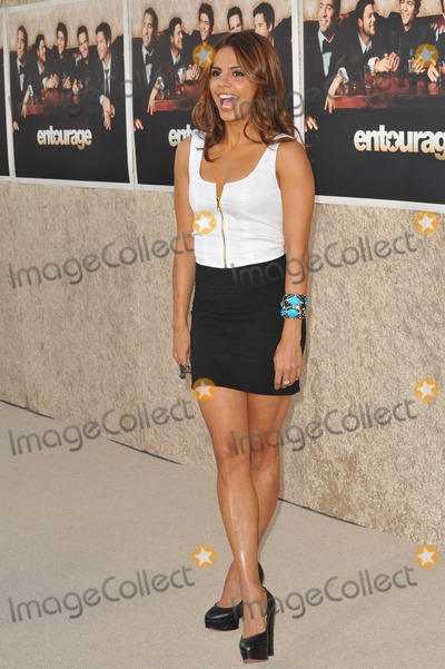 Azita Ghanizada Photo - Azita Ghanizada at the premiere for the sixth season of the HBO TV series Entourage at Paramount Studios HollywoodJuly 9 2009  Los Angeles CAPicture Paul Smith  Featureflash