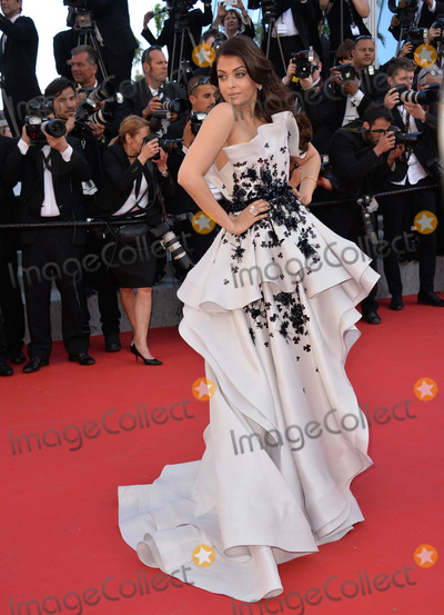 Aishwarya Rai Bachchan Photo - Aishwarya Rai Bachchan at the gala premiere for Youth at the 68th Festival de CannesMay 20 2015  Cannes FrancePicture Paul Smith  Featureflash